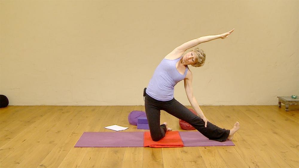 First trimester pregnancy yoga | Ekhart Yoga